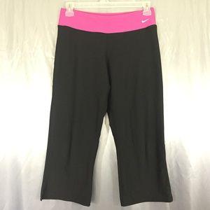 Nike women work out capri pants